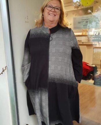 54c7a2a6 Yttertøy Arkiver - Pip Stormote • Nettbutikk for klær i store størrelser