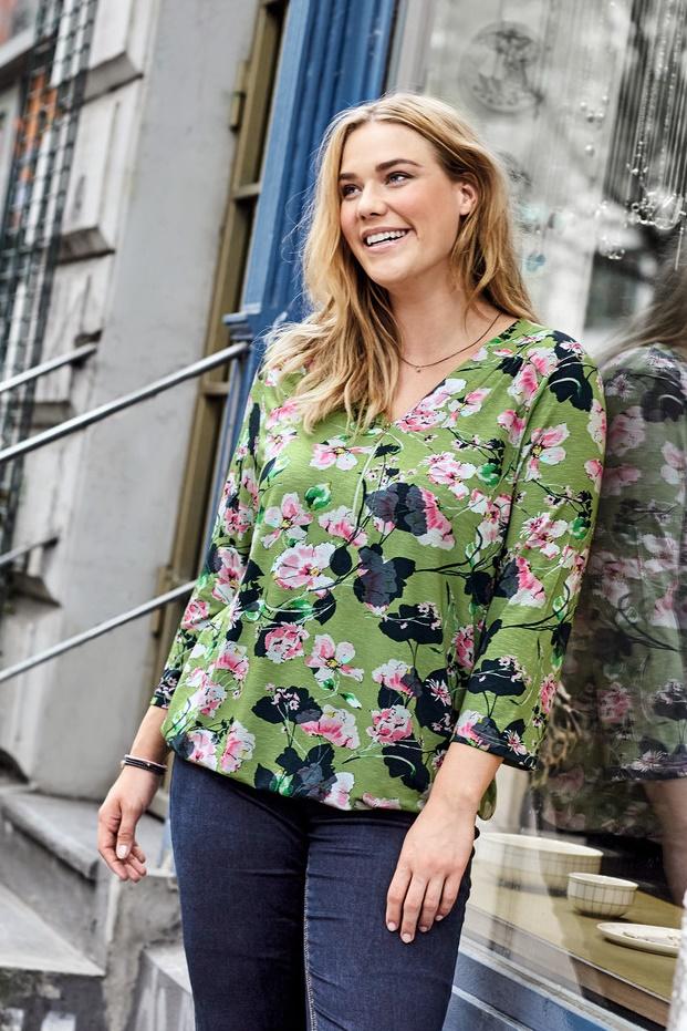 3e79d9c1 TOPP MED BLOMSTER-6189 - Pip Stormote • Nettbutikk for klær i store ...