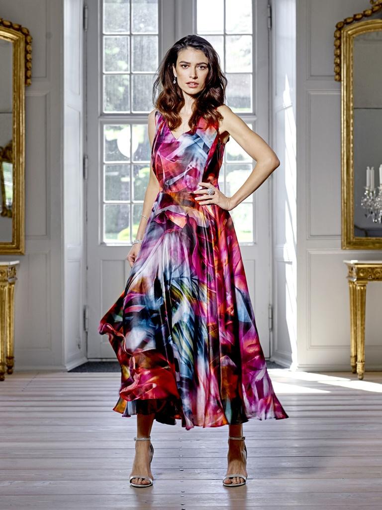 6cfd7101 LANG SILKEKJOLE-48890 - Pip Stormote • Nettbutikk for klær i store  størrelser