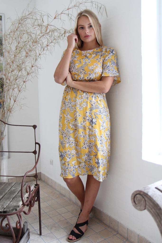 00422b59 KJOLE MED ERM-1019 - Pip Stormote • Nettbutikk for klær i store størrelser